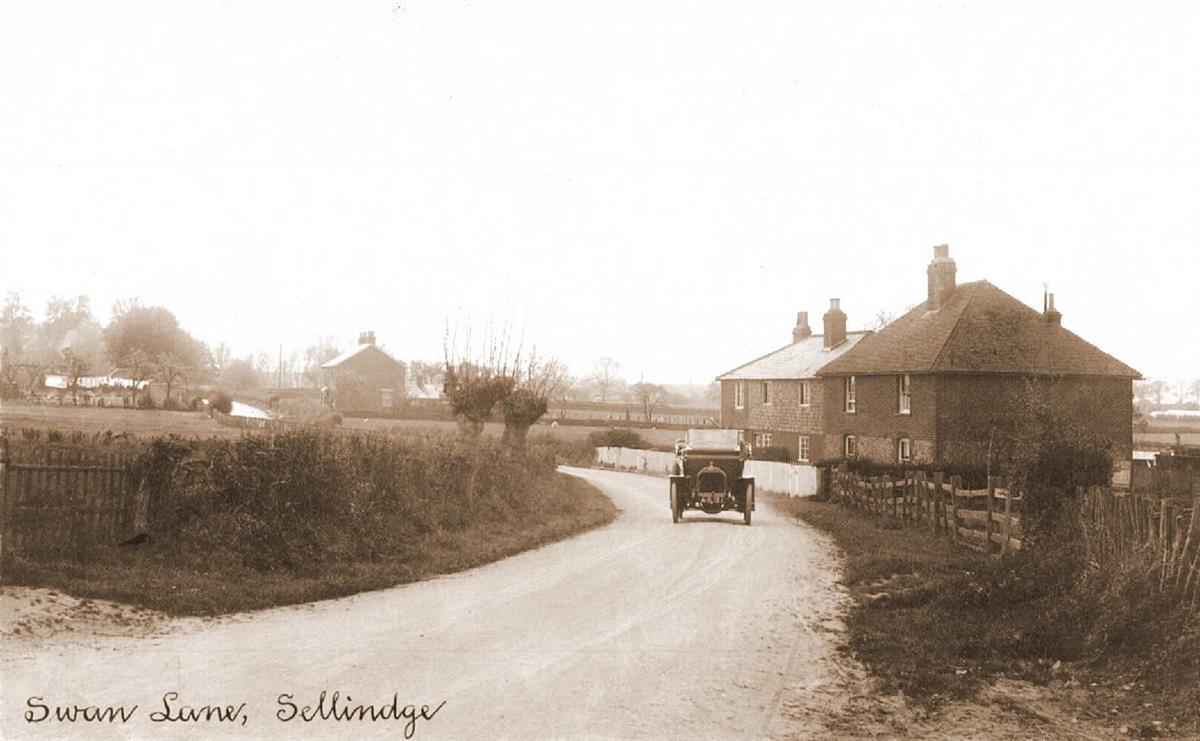 swan lane looking toward the main road in the early 1920's